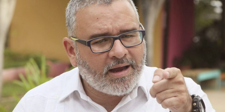 Falta de peritaje retrasa proceso contra el prófugo Mauricio Funes
